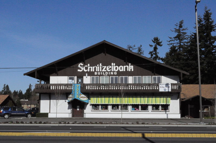 Schnitzelbank building in Kenmore with Snapadoodle Toys, German architecture from Germany
